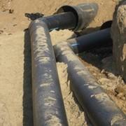 Прокладка кабелей и трубопроводов по дну водоемов фото