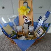 Упаковка гостиничной минипарфюмерии в косметички, коробочки и корзиночки фото