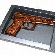 Изделия шоколадные фигурные, наградные медали, шоколадные открытки. фото