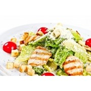 Доставка салатов - Салат «Цезарь» с курочкой BBQ фото