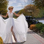 Бескорсетное свадебное платье с разрезом фото