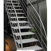 Лестница металлическая фото