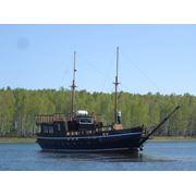 Оригинальное прогулочное судно Победа фото