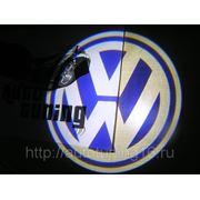 Лазерная проекция с логотипом Wolkswagen фото