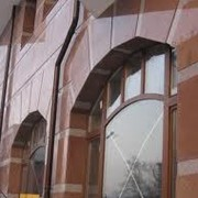 Облицовка фасадов, цоколей, колонн мрамором и гранитом фото