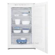 Встраиваемая морозильная камера Electrolux EUN1101AOW фото