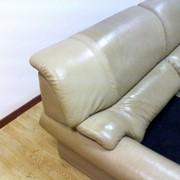 Чистка обивки мягкой мебели из натуральной и искусственной кожи фото