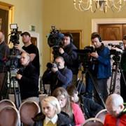 Специализированная телевизионная программа «Круглый стол с «Комсомольской правдой» фото