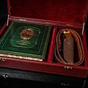 Набор «Охотник», книга с расписным обрезом и бронзовым барельефом фото