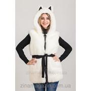 Меховая жилетка с капюшоном и ушками - Белая Волчица фото