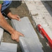 Установка лотков бетонных, лотков бетонных дорожных фото