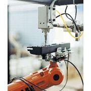 Робототехнические комплексы для клейки и герметизации фото