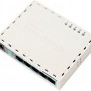 Маршрутизатор (роутер) MikroTik RouterBOARD RB951-2n, AR9331 CPU, 32MB RAM, 5x LAN, 2.4Ghz 802b/g/n, ant, case 1349 фото