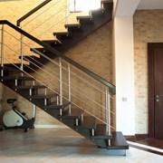 Изготовление лестниц из металла. Металлические лес фото