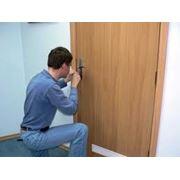 Экстренная помощь по замкам дверным фото