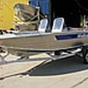 Мотолодка с популярной открытой компоновкой Windboat 47DC фото