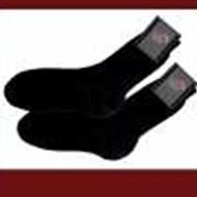 Мужские носки, удлиненные из полушерстяной пряжи в сочетании с текстурированными синтетическими нитями. фото