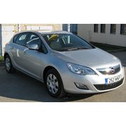 Прокат автомобиля Opel Astra фото