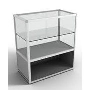 Стеклянный стол-прилавок. фото