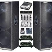 Прокат и техническое обеспечение массовых мероприятий профессиональным звуковым, световым, сценическим оборудованием фото