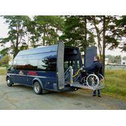Аренда микроавтобусов с подъемником фото