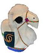 Верблюжонок лежачий из войлока ручной работы фото