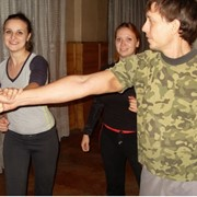 Курсы Женской самозащиты, женская самооборона. Программа подготовки для девушек и женщин. Обучение в малых группах от 4 до 6 человек. фото