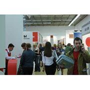 Оказание услуг по обеспечению выезда на выставки за рубежом фото