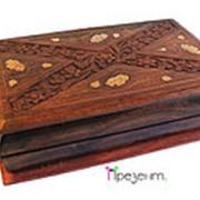 Шкатулка деревянная с резьбой и латунной инкрустацией фото