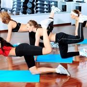 Групповые занятия в фитнес клубе фото