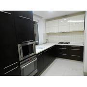 Кухня Венге и бежевый акрил фото
