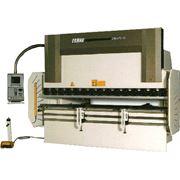 Гибка металла на синхронизированном гидравлическом гибочном прессе марки NC HAR 3100-16 фото
