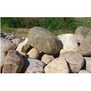 Камни различной величины фото