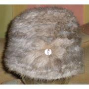 Шапка женская из меха серой норки на вязаной основе фото