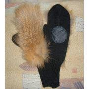 Варежки вязаные с мехом лисы и кожаными ладошками фото