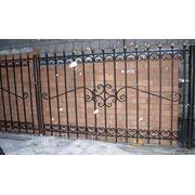 Забор сварной с коваными элементами фото