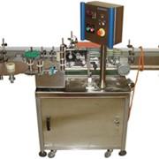 Автоматическая установка нанесения самоклеющихся этикеток на флаконы фото