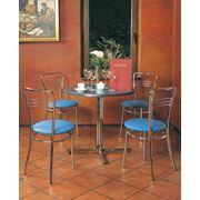 Столы и стулья для баров и кафе фото