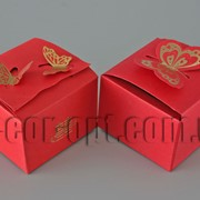 Коробочка красная большая с бабочкой 7,5х7,5х5см 570628 фото