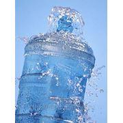 Артезианская питьевая вода фото