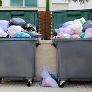 Вывоз твердых бытовых отходов фото
