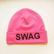 Шапка с надписью SWAG (розовая) фото