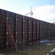 Аренда опалубки стен стальная крупнощитовая фото