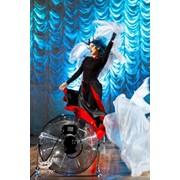 Шоу ветра конфетти снежное шоу. фото
