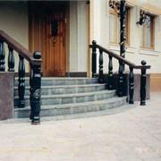 Изготовим и установим нескользящие каменные лестницы из мрамора гранита фото