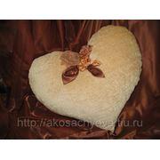 Подушка в форме сердца фото