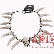 Ожерелье с черепом и клыками фото