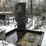 Уборка и вывоз снега - обслуживание захоронения, уход за могилами на кладбищах фото