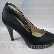Туфли женские на каблуке на застёжке фото
