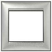 Рамка 1-я Legrand Valena 770151 фото